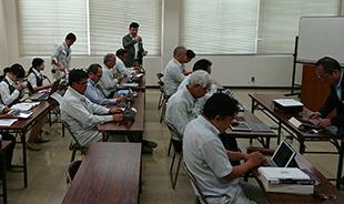 画像:社内勉強会の様子