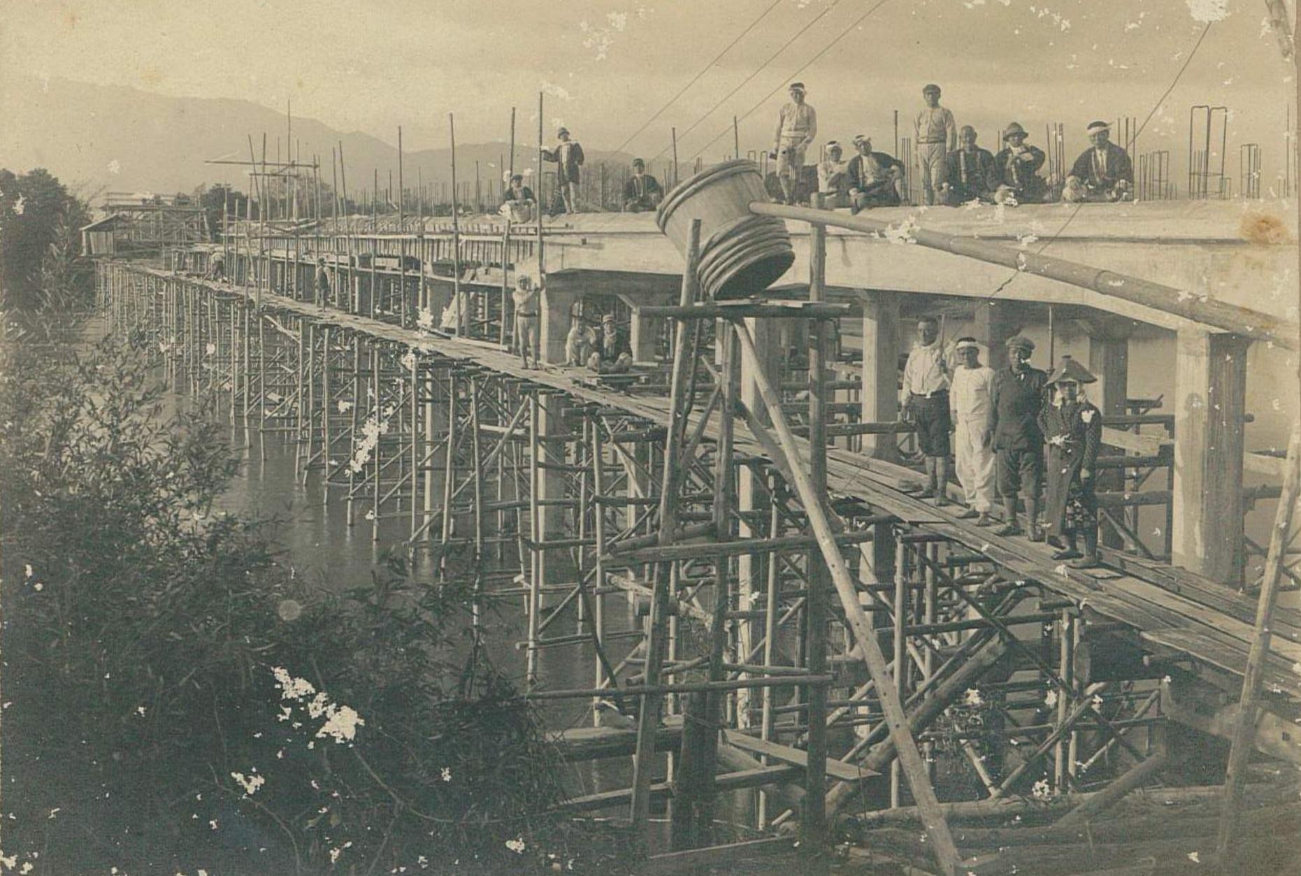 画像:鉄筋コンクリート造りの工事の様子